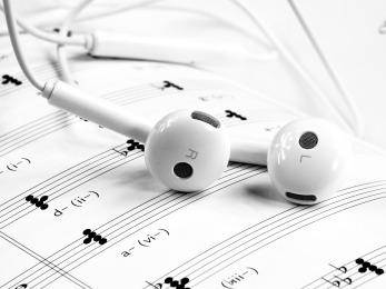 music-1874621_1920.jpg